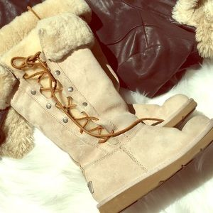 ✨Ugg boots in soft beige✨